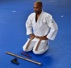 Rahmon Burton readies his weapons and himself for Goshin Jutsu